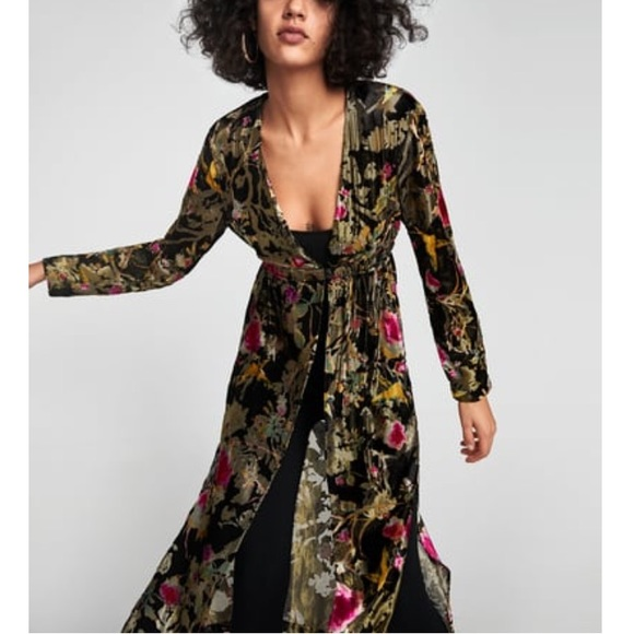 79ef836c Zara Combined Floral Jacquard Kimono NWT. Listing Price: $85.00. Your Offer